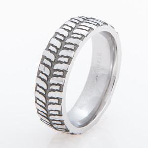 s mud bogger ring with diamonds titanium buzz