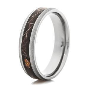 Men's Narrow Titanium Realtree AP Black Camo Ring
