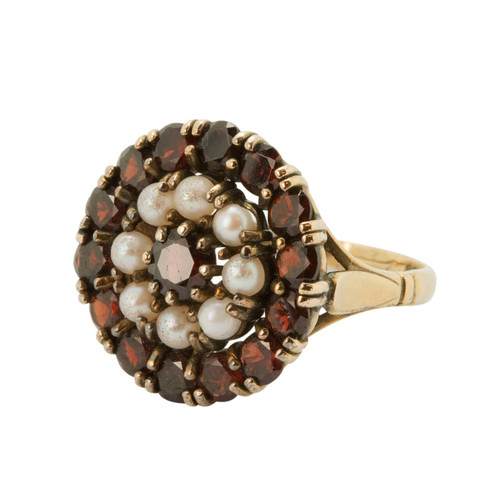 Vintage 9ct Gold Garnet and Pearl Ring