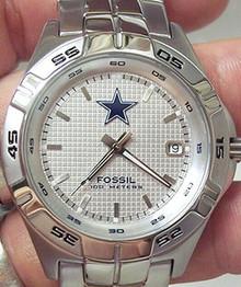 Dallas Cowboys Fossil Watch. Mens Three hand Date Wristwatch NFL1047