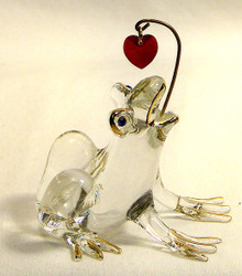 "GLASS FROG FIGURINE TRYING TO CATCH RED HEART HAND MADE 22K GOLD TRIM   MEASURES 2 1/4"" X 1 3/4"" X 2 3/8"""
