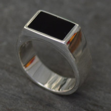 Whitby Jet Oblong Gents Signet Ring 010JR