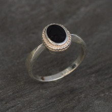 rope edge whitby jet oval ring