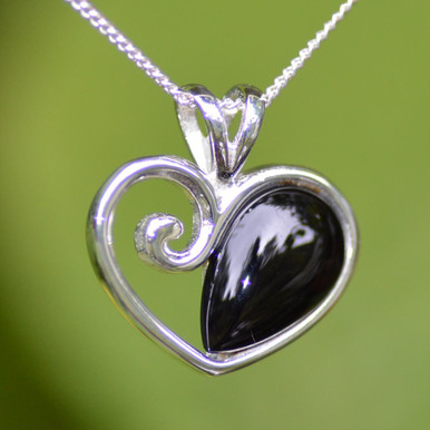 Whitby jet heart cabochon pendant