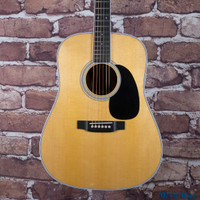 Martin Custom Shop D-35 Dreadnought Acoustic Guitar Wild Grain Thin Finish