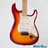 2005 Fender American Deluxe Stratocaster Electric Guitar Sienna Sunburst