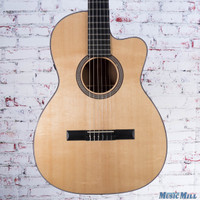 Martin 000C Nylon Acoustic Electric Guitar Natural