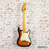 2012 Fender American Deluxe Stratocaster Electric Guitar 2-Color Sunburst