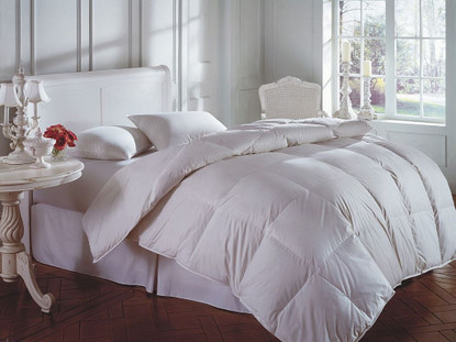 Cascada Light Weight Down Comforter