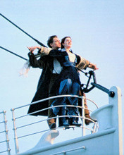 This is an image of 226929 Leonardo Dicaprio & Kate Winslet Photograph & Poster