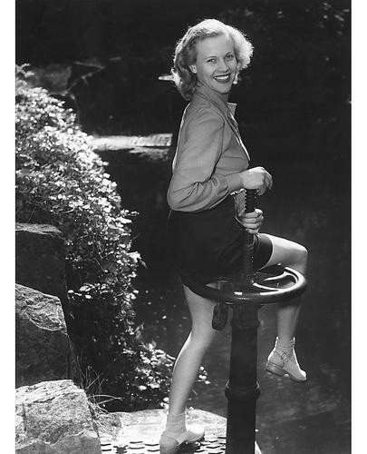 This is an image of 178183 Honor Blackman Photograph & Poster