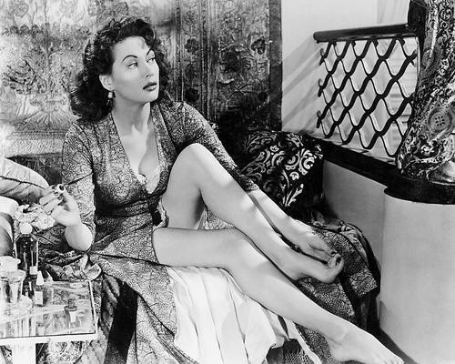 This is an image of 194017 Yvonne De Carlo Photograph & Poster