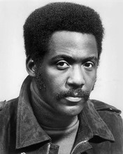 This is an image of 194024 Richard Roundtree Photograph & Poster
