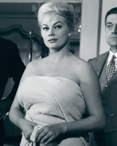 This is an image of 190077 Anita Ekberg Photograph & Poster