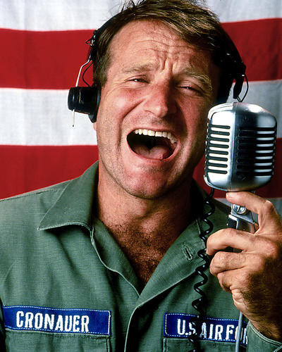 This is an image of Photograph & Poster of Good Morning Vietnam 284247