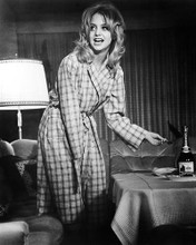 This is an image of Photograph & Poster of Goldie Hawn 194639