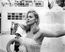 This is an image of Photograph & Poster of Ann-Margret 194652