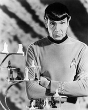 This is an image of Photograph & Poster of Leonard Nimoy 195024