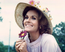 This is an image of Photograph & Poster of Lee Meriwether 284445