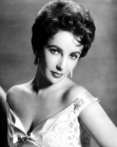 This is an image of Photograph & Poster of Elizabeth Taylor 195429