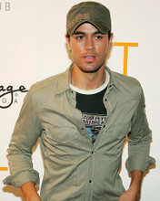 This is an image of Photograph & Poster of Enrique Iglesias 285422
