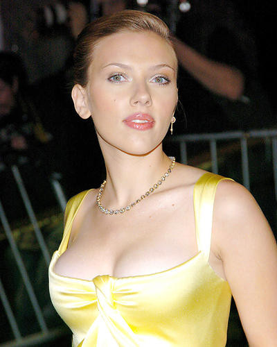 This is an image of Photograph & Poster of Scarlett Johansson 290691