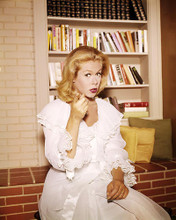 This is an image of Photograph & Poster of Elizabeth Montgomery 290874