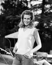 This is an image of Photograph & Poster of Elizabeth Montgomery 199916
