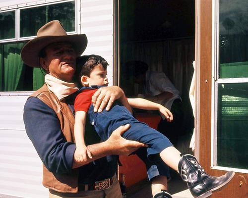 This is an image of Photograph & Poster of John Wayne 291316