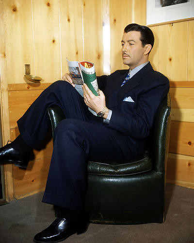 This is an image of Photograph & Poster of Robert Taylor 291860