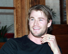 This is an image of Photograph & Poster of Chris Hemsworth 292018