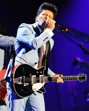 This is an image of Photograph & Poster of Bruno Mars 293142