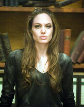 This is an image of Photograph & Poster of Angelina Jolie 280133