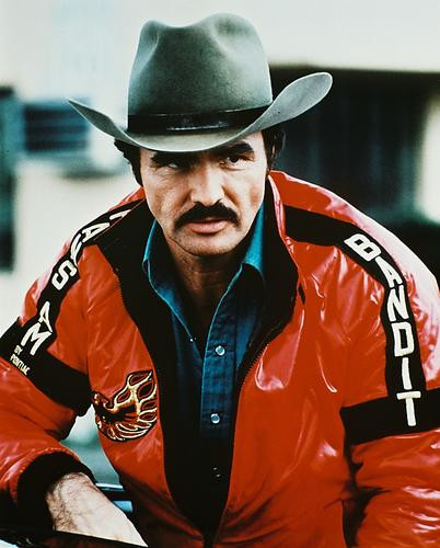 This is an image of Photograph & Poster of Burt Reynolds 211140