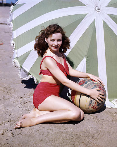 This is an image of Premium Photograph & Poster of Jeanne Crain 294867