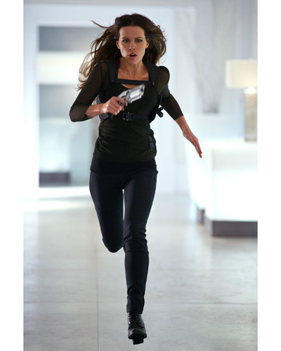 This is an image of Photograph & Poster of Kate Beckinsale 297223