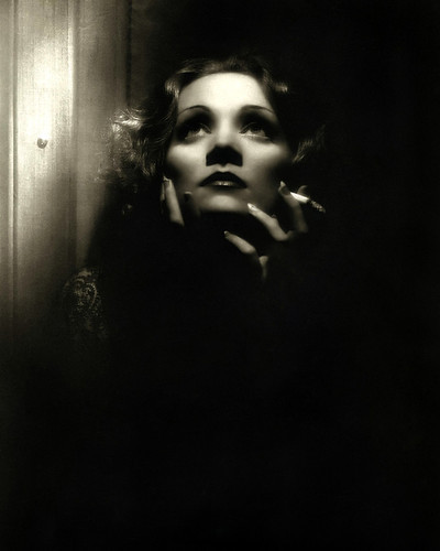 This is an image of Photograph & Poster of Marlene Dietrich 298184