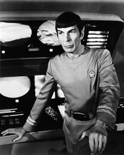 This is an image of Photograph & Poster of Leonard Nimoy 195732