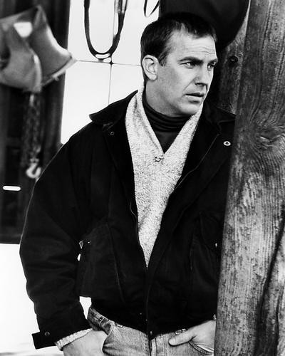 This is an image of Photograph & Poster of Kevin Costner 195903