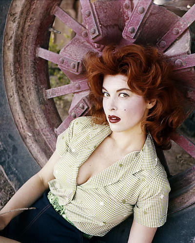 This is an image of Photograph & Poster of Tina Louise 286312