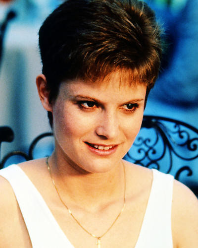 This is an image of Photograph & Poster of Jennifer Jason Leigh 286940