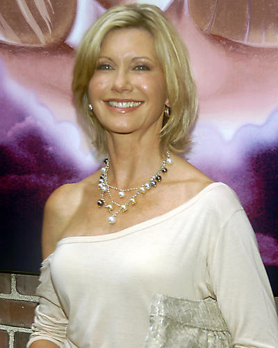This is an image of Photograph & Poster of Olivia Newton-John 287418