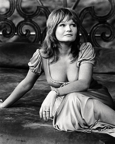 This is an image of Photograph & Poster of Valerie Perrine 196736