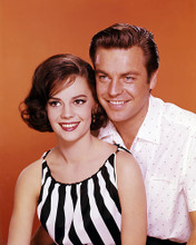 This is an image of Photograph & Poster of Natalie Wood and Robert Wagner 288425