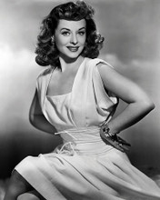 This is an image of Photograph & Poster of Paulette Goddard 197517