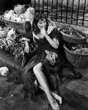 This is an image of Photograph & Poster of Paulette Goddard 197521
