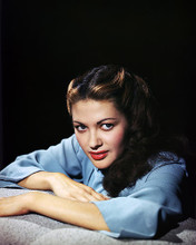 This is an image of Photograph & Poster of Yvonne De Carlo 289647