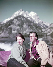 This is an image of Photograph & Poster of Jean Simmons and Stewart Granger 289693