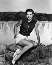 This is an image of Photograph & Poster of Jean Peters 198601