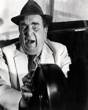This is an image of Photograph & Poster of Robert Morley 198326